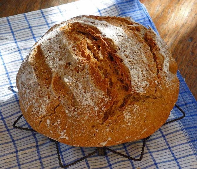 bread-dec013-crusty-small