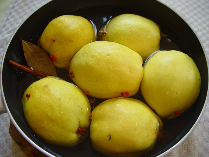 quince-poaching670