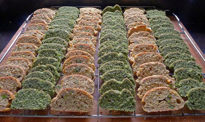 4-green-slices-on-rack