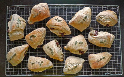 9_Olive_BREADS_on_RACK